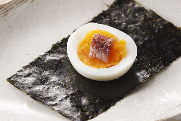 아침에 삶은 달걀과 김.jpg